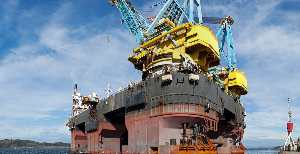 One of the worlds largest floating cranes e1478615626819 - Floating Cranes Around the World
