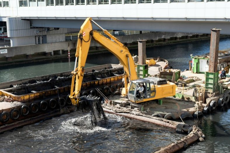 Dredger excavators 1 e1506592794101 - Types of Excavation Machines: Uses and Differences