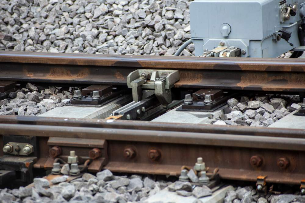 how train tracks work - How do Train Rails Work?